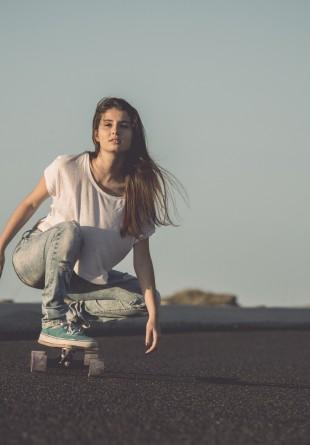 SPORTS ALERT: Skater Girl