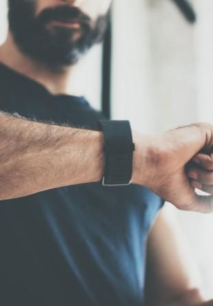 Gadget-uri indispensabile unui bărbat activ